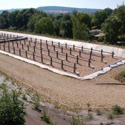 Filtre planté de roseaux à écoulement vertical